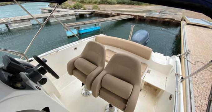 Alquiler de barcos Antibes barato de Cap Camarat 6.5 CC Serie 2