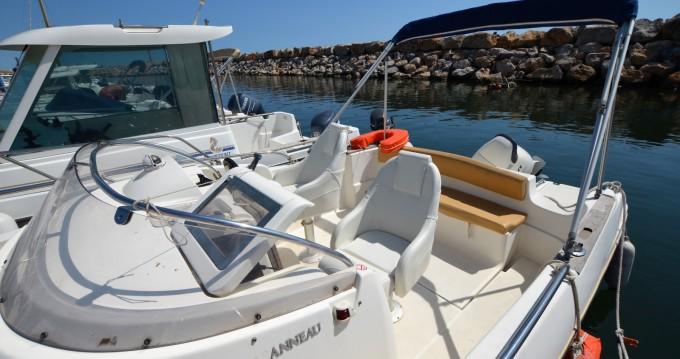 Alquiler de barcos Argelès-sur-Mer barato de Cap Camarat 625 WA