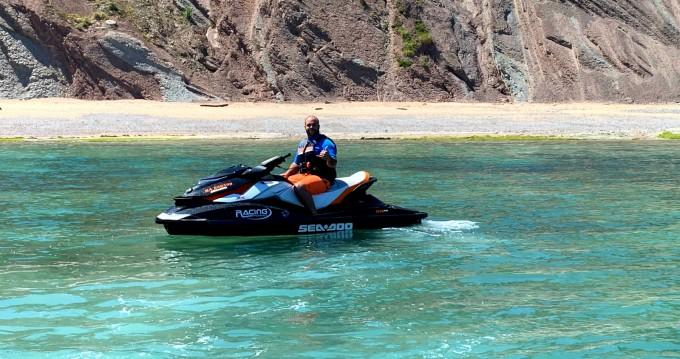 Alquiler Moto de aguas Sea-Doo con título de navegación
