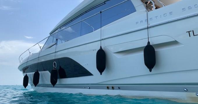 Alquiler de Prestige 590 s line en Port Grimaud