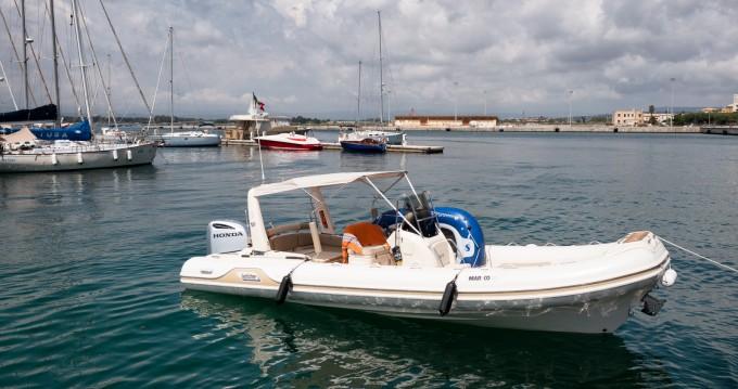 Alquiler Neumática Mar-Co con título de navegación