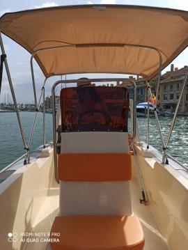 Alquiler Neumática Cobra con título de navegación