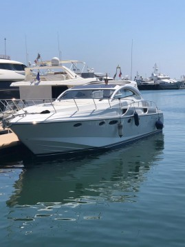 Alquiler Lancha Rizzardi con título de navegación