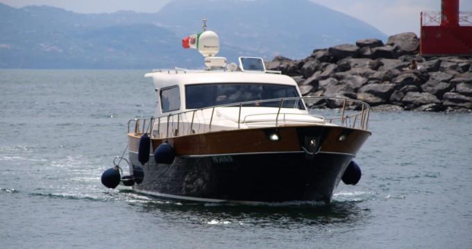 Alquiler de barcos cantieri di donna serapo 42 enTorre del Greco en Samboat