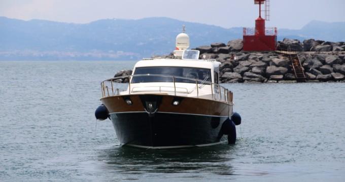 Alquiler de barcos Torre del Greco barato de serapo 42