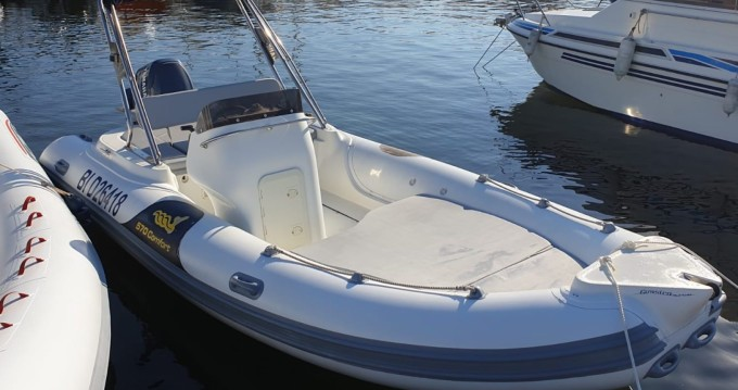 Alquiler de yate Saint-Florent - Motonautica-Vesuviana MV 570 Comfort en SamBoat