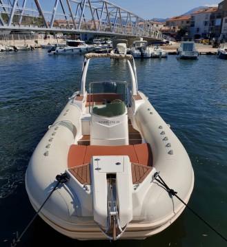 Alquiler de barcos Capelli Tempest 770 enSaint-Florent en Samboat