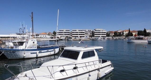 Alquiler de barcos Zadar barato de Damor 800 - 1 cab.
