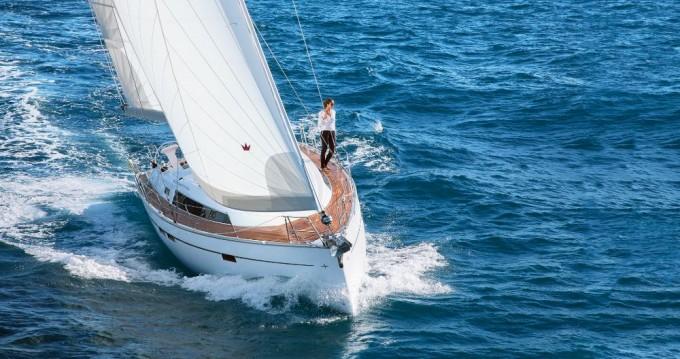 Bavaria Cruiser 46 entre particulares y profesional Rhodes