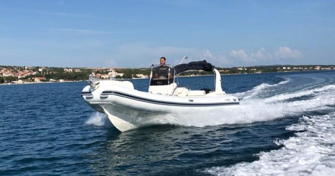 Alquiler de barcos Biograd na Moru barato de King 720 Extreme
