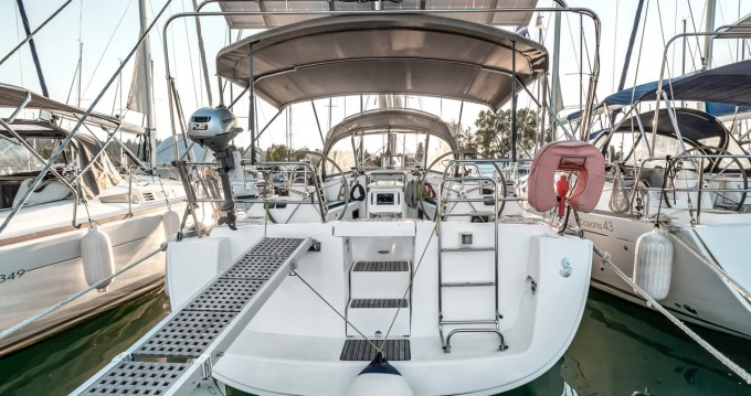 Alquiler de barcos Bénéteau Oceanis 40 enGouviá en Samboat