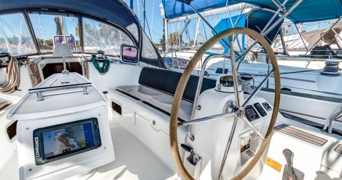 Alquiler de barcos Gouviá barato de Oceanis 43