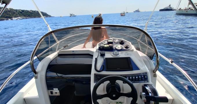Alquiler de barcos Ranieri Shadow 19 enMenton en Samboat