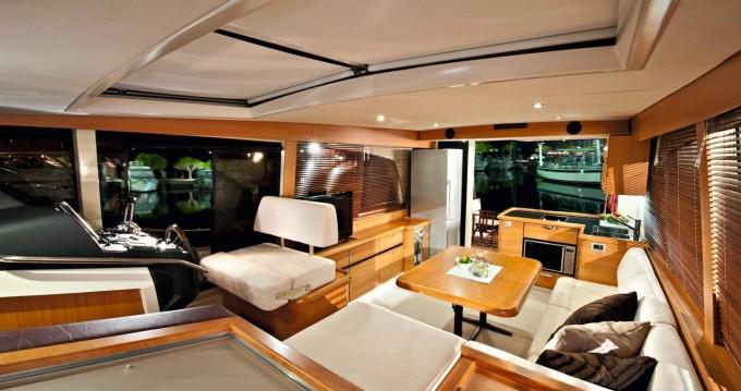 Alquiler de barcos Greenline Greenline 40 enPorto en Samboat