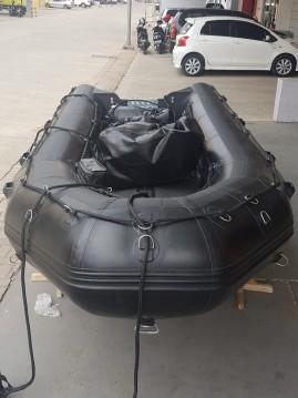 Alquiler de barcos Aix-les-Bains barato de Commando C3 Noir