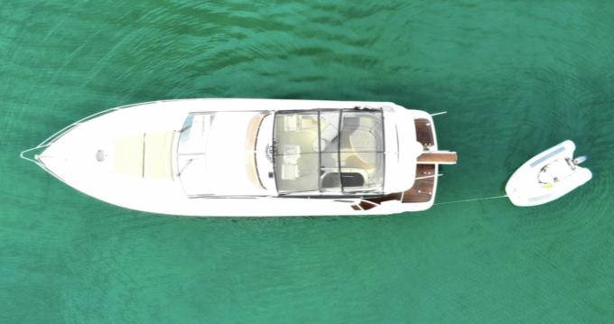 Alquiler de yate Mykonos - Fairline Phantom 50 Flybridge en SamBoat