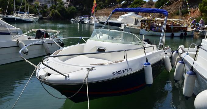Alquiler de barcos Ciutadella barato de Cap Camarat 625 WA