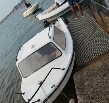 Alquiler Lancha Dejon  con título de navegación