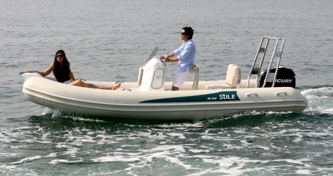 Alquiler Neumática Arimar con título de navegación