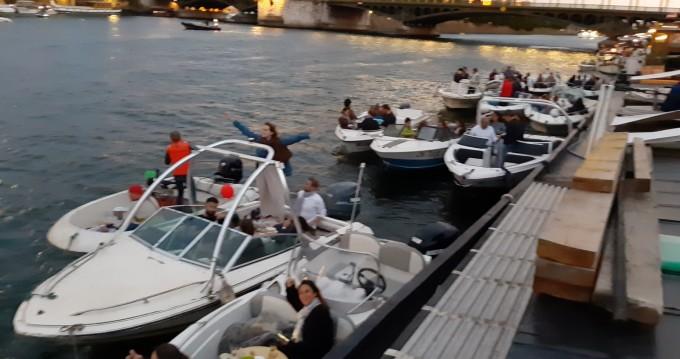 Alquiler de barcos Issy-les-Moulineaux barato de Sea Ray 160 CB