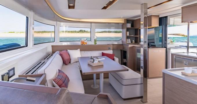 Alquiler de barcos Lefkada barato de Lagoon 46