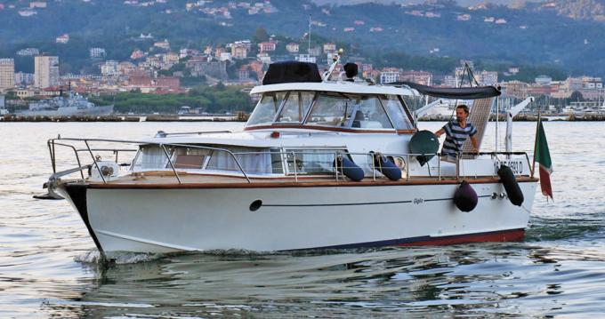 Alquiler Lancha Picchiotti con título de navegación