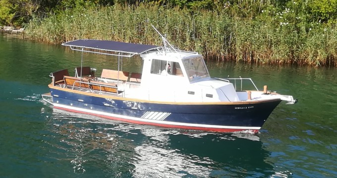 Alquiler de yate Komolac - Saronic 890 en SamBoat