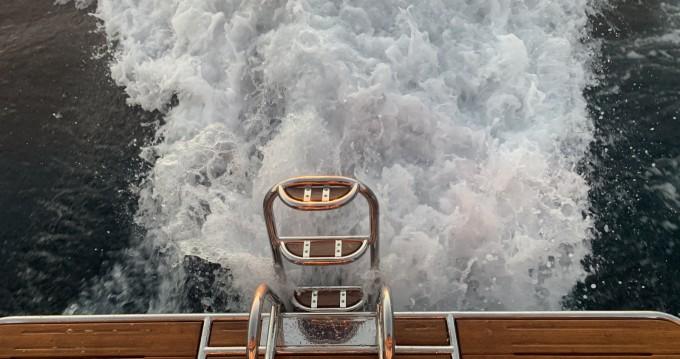 Alquiler Lancha Saronic con título de navegación