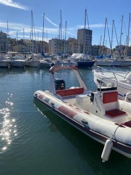 Alquiler de Tiger Topline 650 en Saint-Cyr-sur-Mer