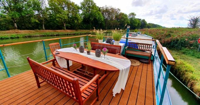 Alquiler Casa flotante Poseidon con título de navegación