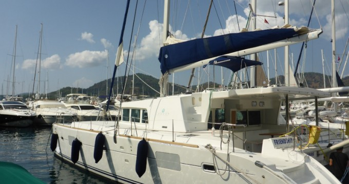 Alquiler de yate San Vincenzo - Lagoon Lagoon 500 Flybridge  en SamBoat