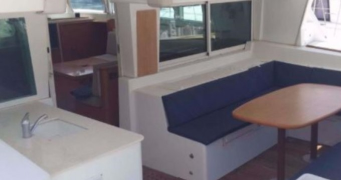 Alquiler de barcos San Vincenzo barato de Lagoon 500 Flybridge