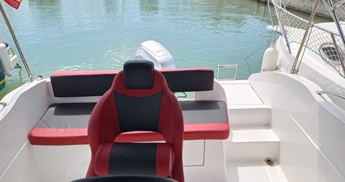 Alquiler de barcos Garraf barato de okis boats