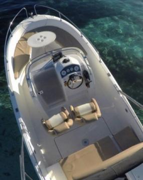 Alquiler de barcos Hyères barato de Cap Camarat 6.5 CC Serie 2