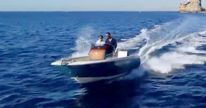 Alquiler de yate Ormos Panagias - Invictus  Invictus 200 FX en SamBoat