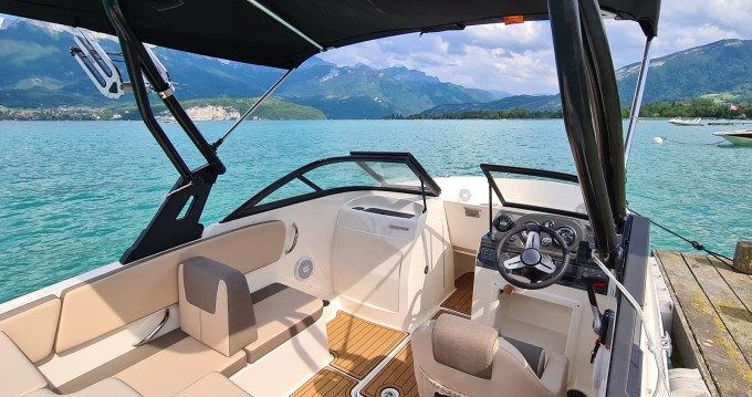 Alquiler de barcos Bayliner VR4 enSevrier en Samboat