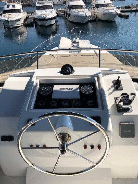 Alquiler de barcos Yaretti Yaretti 2110 enPrimošten en Samboat