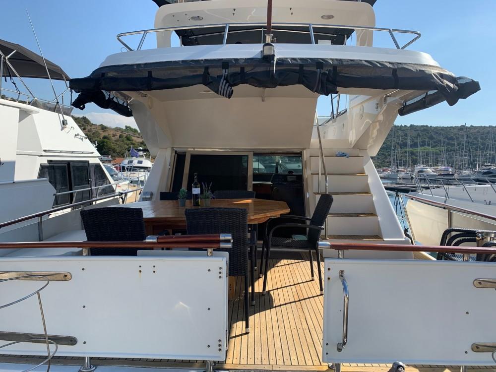 Alquiler Yate Yaretti con título de navegación