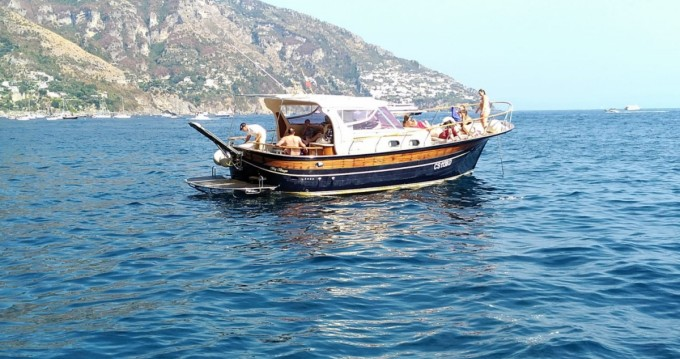 Alquiler Lancha Sorrentino Gozzo con título de navegación