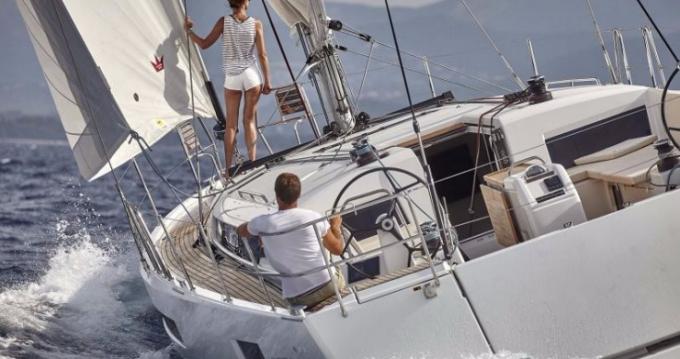 Alquiler de Jeanneau Sun Odyssey 490 en Volos