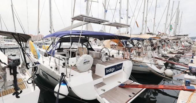 Alquiler de barcos Biograd na Moru barato de Bavaria C45 Holiday