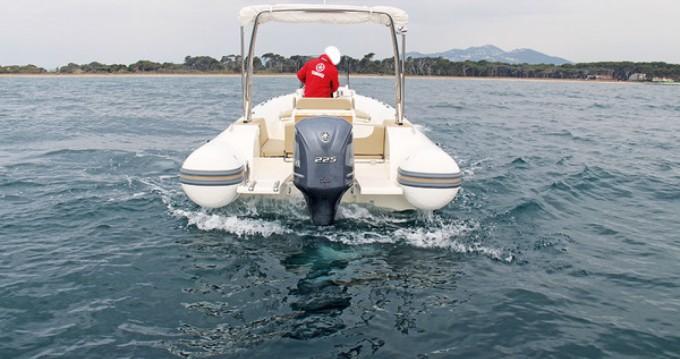 Alquiler de barcos Capelli Tempest 775 Open enFort-de-France en Samboat