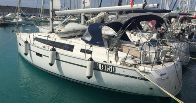 Alquiler de yate Marina di Portorosa - Bavaria Bavaria Cr 37 en SamBoat