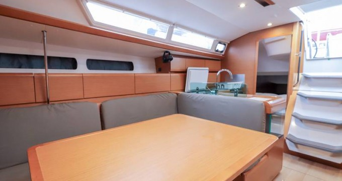 Alquiler de barcos Follonica barato de Sun Odyssey 449