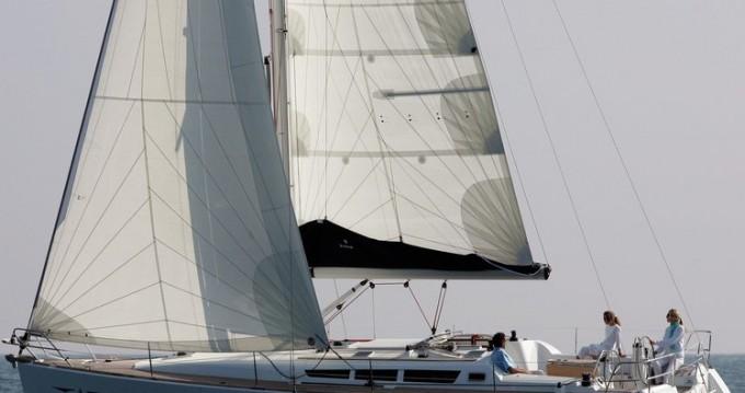 Jeanneau Sun Odyssey 42i entre particulares y profesional Atenas