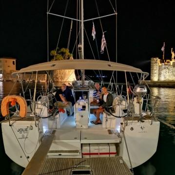 Alquiler de barcos Gouviá barato de Sun Odyssey 440