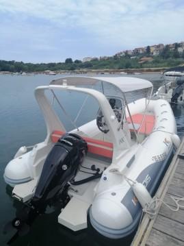 Alquiler de barcos Pula barato de Kardis Fox 570