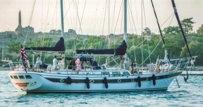 Alquiler de Tha Chao Ship builder Scorpio 72 en Castellammare di Stabia