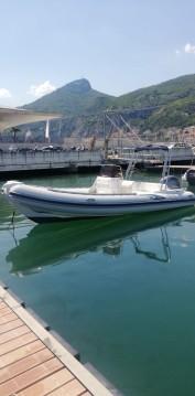 Alquiler Neumática en Salerno - MRL Ribs PREDATOR 6,80