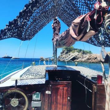 Alquiler de barcos Bertucco P Ketch enCala de Portinatx en Samboat